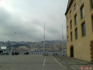 ...grau schaut's aus am Porto Antico...