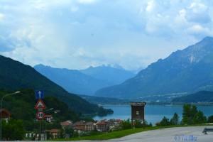 "Lago Santa Croce – im Hintergrund ""Tre Torri di Lavaredo"""