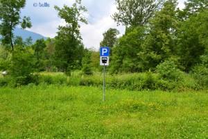 ...ok – der Parkplatz ist gebührenpflichtig – aber die Wiese auch :o