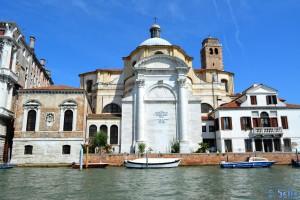 """Im Bus (Boot) auf dem Canal Grande – die Kirche """"Santa Lucia"""""""
