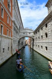 Ponte dei Sospiri Piazza San Marco - (Seufzerbrücke), beim Markusplatz Venedig