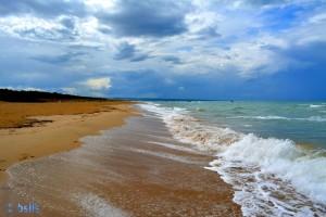 Strand 10km vor Termoli – ein Traum!!! (Man sieht sehr schön, dass der Sand noch vom Regen nass ist – auf den vorigen Bildern ist der trockene Sand viel heller!).