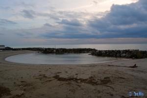 Kleine Bucht im hermetisch abgeriegelten Strand – Marina di Pisa