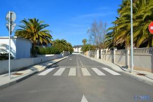 Leergefegte Strassen im Ort am Platja de L'Eucaliptus