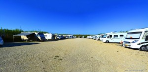 Parking in Area Sosta Camper Pampelonne - 1550 Route de Bonne Terrasse, 83350 Ramatuelle - Frankreich - October 2017