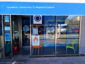 Lavandería - Autoservicio 'La Bugaderia Express' - Carrer Sant Isidre, 186 - Sant Carles de la Ràpita - Spain
