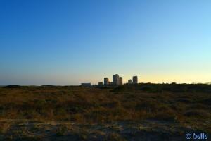 Unschöne Wolkenkratzer am Platja Garrofera - Les Gavines