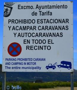 Camper forbidden in Tarifa! Calle Milano Negro, 2, 11380 Tarifa, Cádiz, Spanien – April 2016