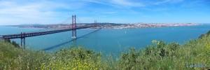 Brücke nach Lisboa über den Fluss Tejo