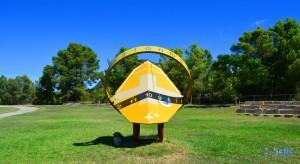 Moderne Sonnenuhr am Camino Natural del Ebro – UTC-Time