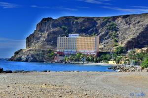 Hässliches Hotel direkt am Strand – El Palmer
