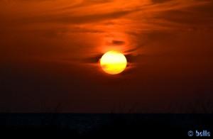 Der Himmel brennt! Sunset at Playa de los Lances Norte - N-340, 11380 Tarifa, Cádiz, Spanien – 15.11.2015 – 18:06:34 Uhr