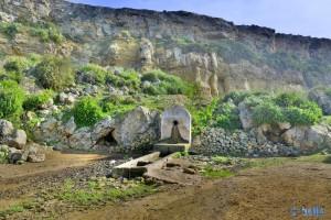 Natürlicher Brunnen - Lalla-Fatna - R301, Marokko (nur selten so leer wie jetzt gerade!)