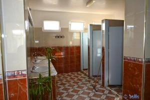 Shower an Toilets in Camping Club Atlantica Parc - Unnamed Rd, Imi Ouaddar, Marokko – December 2015
