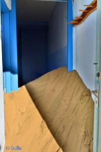 Kleines Haus mit Verwehungen in Echatea Al Abied