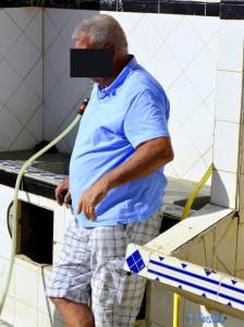 Bemitleidenswerter Mann im Camping Touristique Moussofir - Dakhla - Marokko
