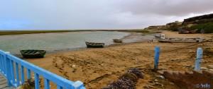 Fischerboote am Lac de Naïla (Khnifiss Lagune) – Marokko