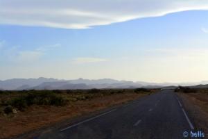 Kurz hinter Tinejdad und kurz vor dem Musée de Sources de Lalla Mimouna - N10 – Marokko