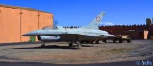 """Requisit - F-16-Kampfjet aus """"Auf der Jagd nach dem Juwel vom Nil"""" - Atlas Corporation Studios Ouarzazate – Marokko"""