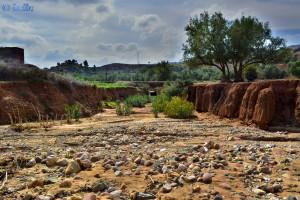 Ausgetrocknetes Flussbett - Barrage D'Aït-Aadel – Marokko