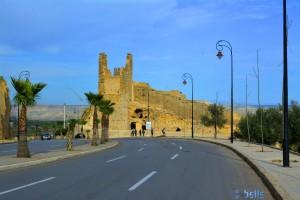 Direkt um die Ecke stehen wir - Parking at the Medina - R501 - Fès – Marokko