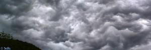 Gewitterstimmung in Vigna - Chiusa di Pesio- Italien – Panorama-Bild quer