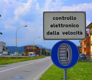 Diese Schilder sieht man hier immer wieder mal - Schneekettenpflicht - Pianfei – Italy