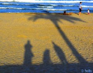 Lange Schatten am Strand von Alboraya – Spain