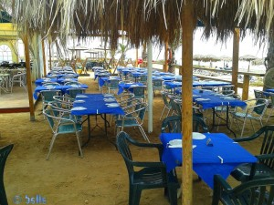 Sehr grosse Beach Bar am Playa la Ermita – Spain