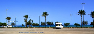 Parking at Playa de las Salinas - Av Legión Española, 10, 04740 Roquetas de Mar, Almería, Spanien – August 2016