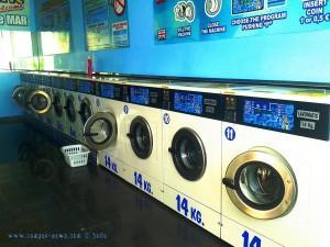Laundry - Avenida Faro Sabinal, Nº 70 - Roquetas de Mar – Spain