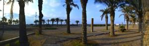 Parking in Retamar - Camino de Retamar a Costa Cabana por la Playa, 04130 Almería, Spanien – Oktober 2016