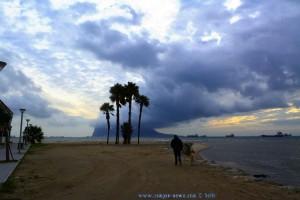 My View today – Gibraltar mit seiner typischen Wolke!