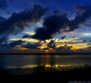 Sunset at Playa de los Lances Norte - Tarifa – Spain → 18mm → 18:02:09 → Vertikal-Panorama-Bild