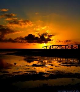 Sunset at Playa de los Lances Norte - Tarifa – Spain → 55mm → 17:56:05 → Vertikal-Panorama-Bild