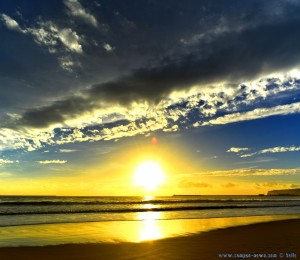 Sunset at Playa de Barbate – Spain → Vertikal-Panorama-Bild