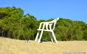Verlassener Stuhl am Playa Dunas de El Portil – Spain