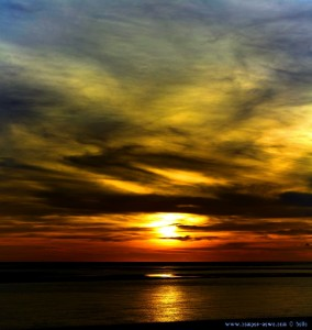 Sunset at Dunas de El Portil – Spain – Vertikal-Panorama-Bild