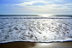 Die Flut erobert den Strand - Playa la Bota – Spain