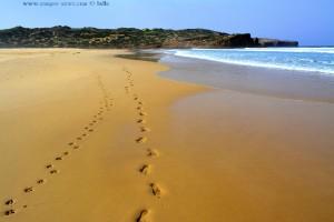 ...uns're Spuren im Sand... *träller* - Praia da Bordeira – Portugal