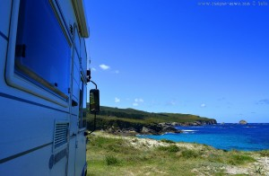 Parking at Praia de Santa Comba - Prioiro, 223, Ferrol, La Coruña, Spanien - June 2017 – View to Cabo Prior