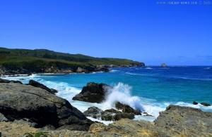 An den Klippen - Praia de Santa Comba bei Flut – Spain