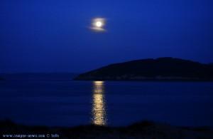 Mondaufgang am Praia de Bares – Spain