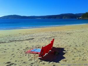Die Damen beim Strand-Testen - Praia de Bares – Spain