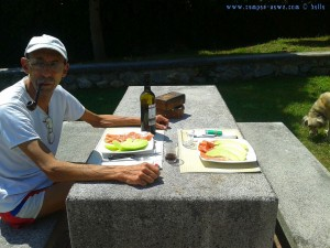 Lunch bei strahlender Sonne in Lekeitio – Spain