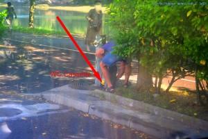 Und DAS ist der GRUND, warum Camper zuweilen unwillkommen sind!!! Chemie-Toilette am Brunnen leeren - Zumaia -Spain