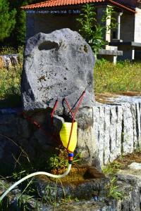 Wasser tanken am Brunnen der Capella de San Sebastian – Spain.