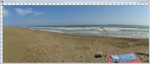 Panorama-Bild vor der Bearbeitung mit PhotoShop – dicke Wellen im Horizont!