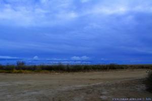 ...noch dicke Wolken am Platja de l'Eucaliptus – Spain