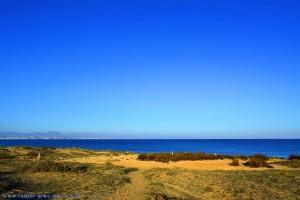 Steintürme am Playa de Los Arenales del Sol – Spain